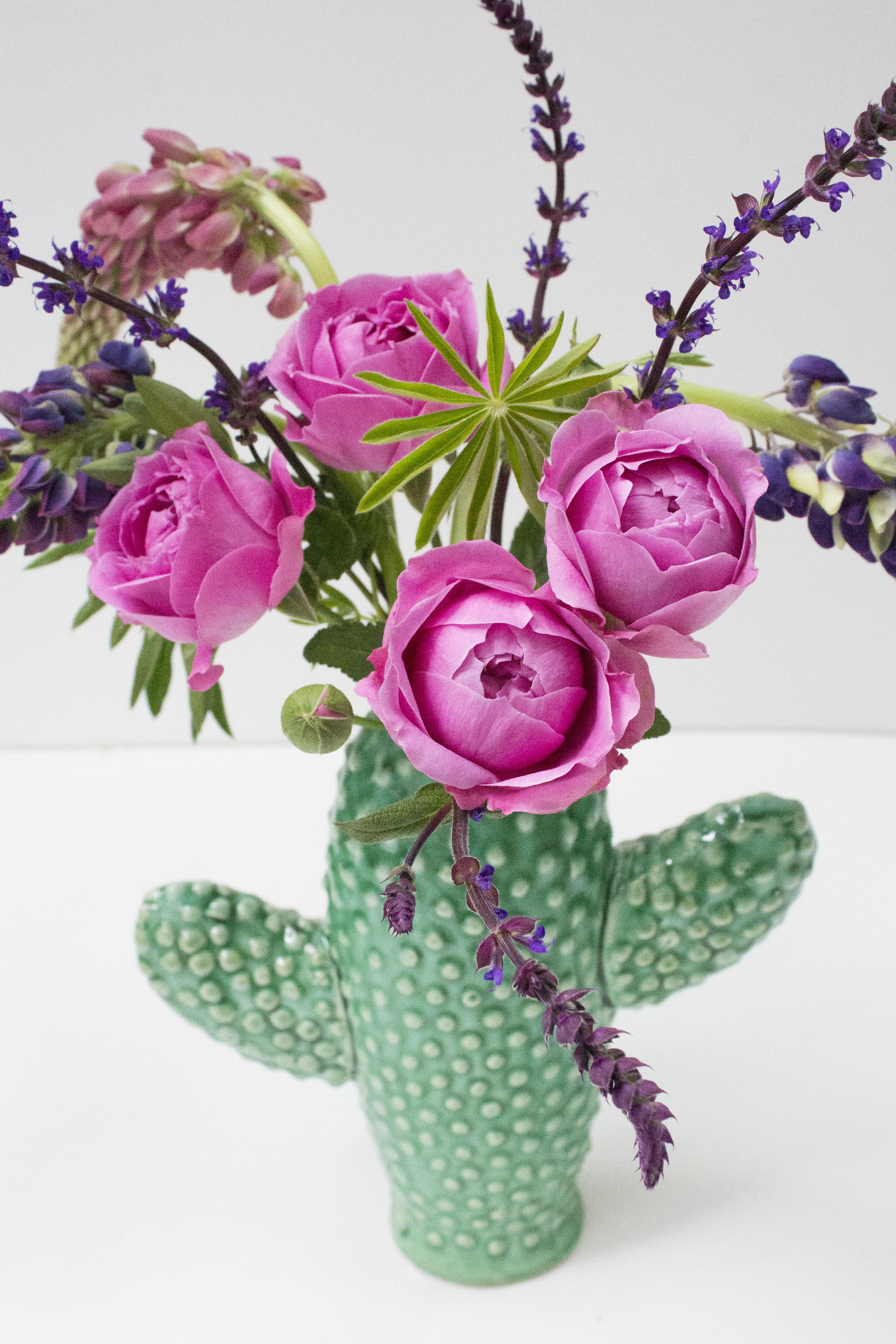 Cactus-vase-photo-Little-Big-Bell